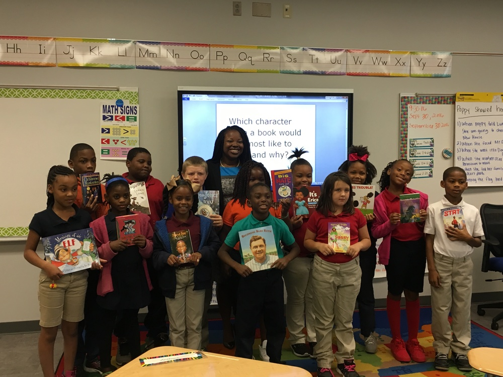 Pulaski County Youth Services, Director gives books to 3rd Grade class!